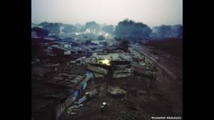Трущобы в районе Рахи-Манди, Канпур, Индия