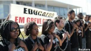 Estudiantes negros protestando