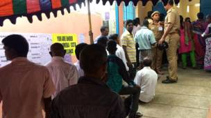 चेन्नई का एक मतदान केंद्र.