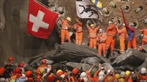 """بالصور: نفق """"غوتهارد"""" السويسري الأطول في العالم"""