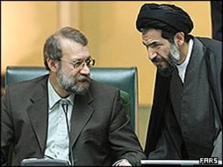 علی لاریجانی رئیس به همراه نایب رئیس مجلس