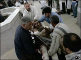 انتقال زخمی در بغداد - تصویر آرشیوی