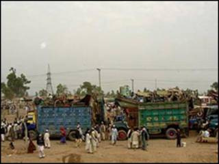 پناهجویان افغان درحال بازگشت