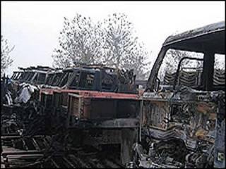 کامیونهای سوخته حامل تجهیزات ناتو