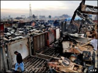 انبار تدارکاتی ناتو در پیشاور که روز گذشته آتش زده شد
