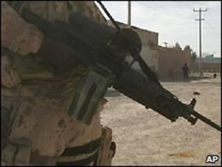 یک سرباز خارجی در افغانستان