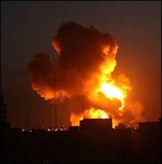 آتش سوزی در رفح پس از حمله اسرائیل
