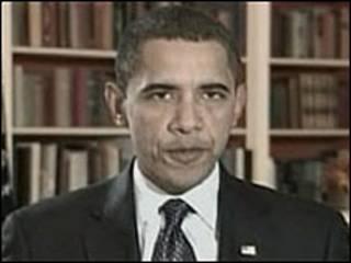 Barack Obama em seu 1º vídeo semanal