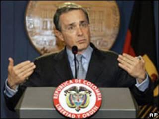 Álvaro Uribe, presidente da Colômbia (arquivo)
