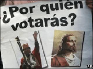 Cartaz ligado ao referendo na Bolívia