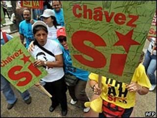 Partidários de Chávez fazem campanha em Caracas