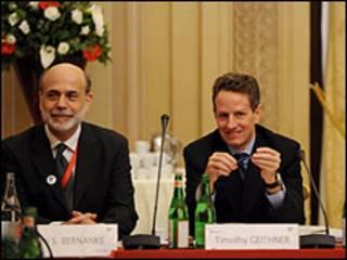 Ben Bernanke (à esq.) e Tim Geithner em Roma