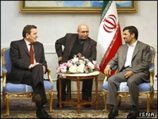 احمدی نژاد و شرودر - عکس از ایسنا
