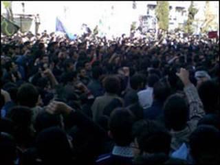 تحصن دانشجویان در دانشگاه امیرکبیر- عکس از خبرنامه امیر کبیر