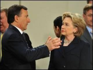 Ngoại trưởng Ý, Franco Frattini, và Ngoại trưởng Mỹ Hillary Clinton