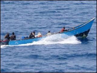 تصویری از کشتی کوچک دزدان دریایی سومالیایی