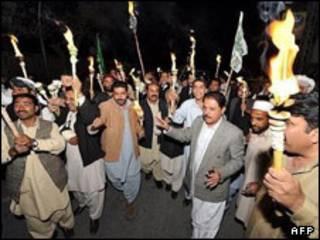 مخالفان در کراچی