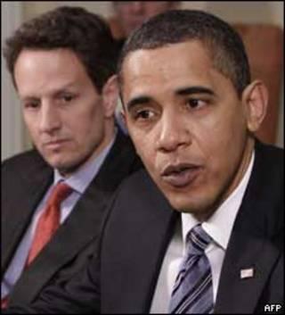 O secretário do Tesouro americano, Timothy Geithner, e o presidente dos Estados Unidos, Barack Obama
