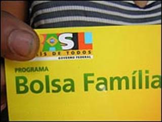 Carteira do Bolsa Família (arquivo)
