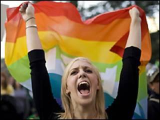 فعال مدافع حقوق همجنسگرایان در شهر ساکرامنتو، کالیفرنیا