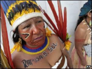 Indígenas en Brasil