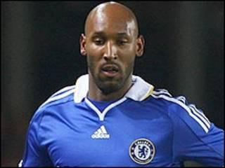 Tiền đạo Anelka của Chelsea