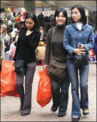 Người mua sắm ở Việt Nam