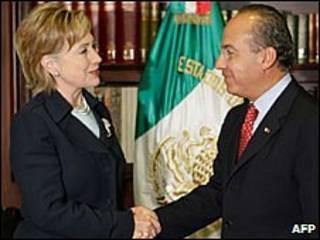 فلیپه کالدرون و هیلاری کلینتون در مکزیکو سیتی