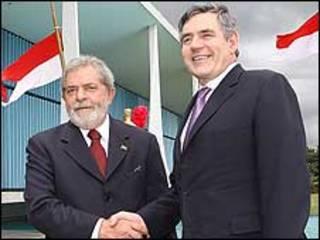 O presidente Luiz Inácio Lula da Silva e o primeiro-ministro britânico, Gordon Brown, em Brasília. Foto: Ricardo Stuckert/PR
