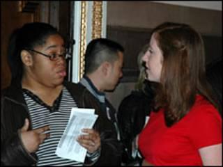 Bà Tyetta gặp người tư vấn