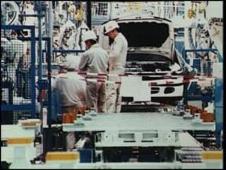 Dây chuyền lắp ráp xe hơi ở Nhật Bản