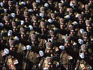 Soldados indianos
