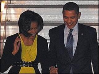 باراک و میشل اوباما از فرودگاه استنستد وارد بریتانیا شدند