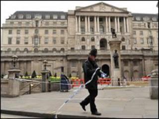 Cảnh sát triển khai trong khu tài chính London