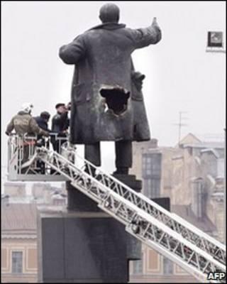 Tượng Lenin ở St Petersburg