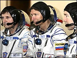 Charles Simonyi, Gennady Padalka y Michael Barratt