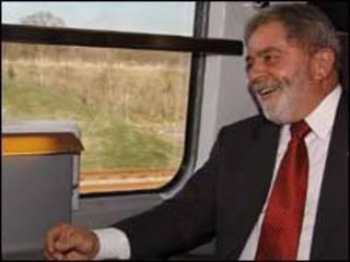 O presidente Lula a bordo do trem Eurostar, rumo a Londres (foto: Ricardo Stuckert/PR)