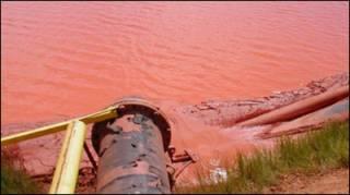 Chất thải của một dự án khai thác bauxite (ảnh minh họa)