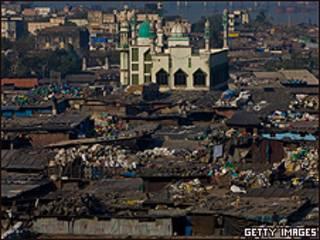Favela em Mumbai, na Índia (Getty Images)