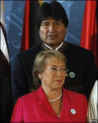 Evo Morales, presidente de Bolivia y Michelle Bachelet, presidenta de Chile