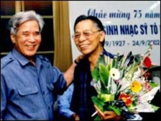 NS Trần Hoàn (bên trái) và NS Tô Hải