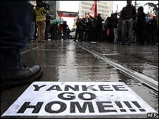 Manifestación contra Barack Obama en Estambul, 6 abril 2009