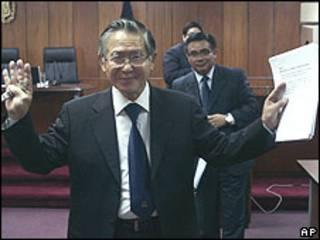 Alberto Fujimori após uma das audiências de julgamento