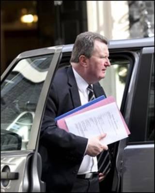 Ông Bob Quick tới văn phòng Thủ tướng Anh để báo cáo
