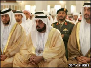 شیخ زاید( نفر وسط)