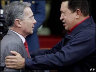 Álvaro Uribe - Hugo Chávez