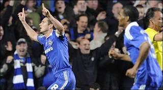 Frank Lampard ăn mừng bàn thắng