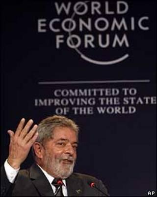 Luiz Inácio Lula da Silva em discurso no Fórum Econômico Mundial para a América Latina