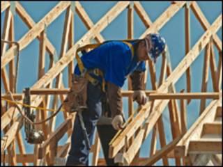 Trabalhador da construção civil nos EUA (AFP/arquivo)