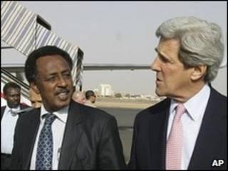 جان کری و محمد الحسن رئیس مجلس سودان در خارطوم